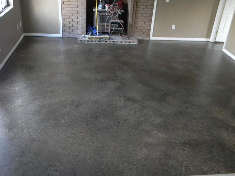 زمین بتنی رنگ شده